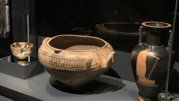 Türkiye den çalınan eserlerle Londra da Troya sergisi #2